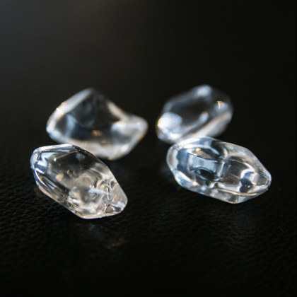 Koristekivet kirkas kristallit Kratki takkaan